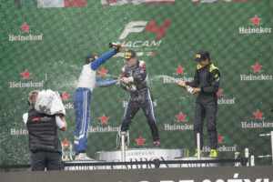 FIA FORMULA 4 NACAM GP DE MEX CARRERA 2 1 KORY ENDERS 2 MANUEL SULAIMAN 3 JAK CROWFORD FOTO F4 3V0A0159