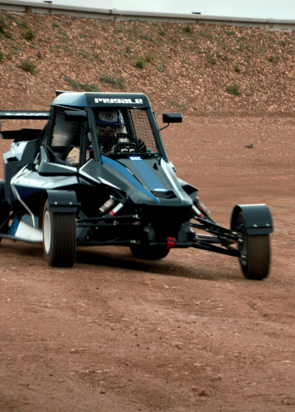 XC02 CROSS CAR